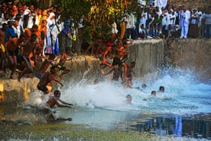 FTA: Carl de Souza: Pilgrims jump into the Fasilides baths