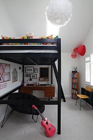 Homes - Petra Tyler: bedroom with bunk beds