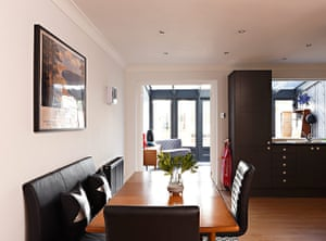 Homes - Petra Tyler: dining area with wooden table