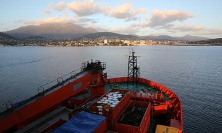 Antarctica Live: Aurora Australis and Hobart