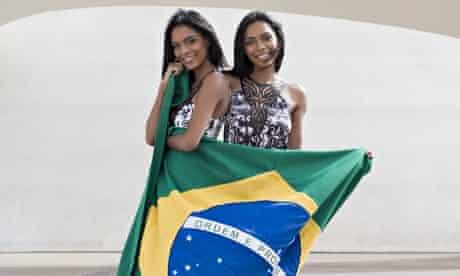 Karen and Karina Ferreira