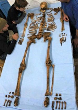 The skeleton of King Senebkay.