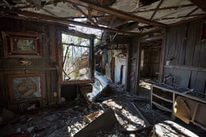 Rebuilding New Orleans: An abandoned house in the Lower Ninth Ward