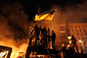 Protests in Ukraine: Anti-government protesters at the site of clashes with riot police in Kiev