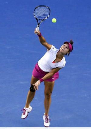 women's final: Li Na serves to Dominika Cibulkova