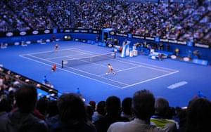 women's final: Li Na plays a shot