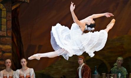 Natalia Osipova in Laurencia by the Mikhailovsky Ballet at the Coliseum