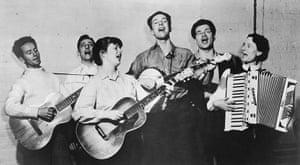 Pete Seeger: L-R: Woody Guthrie, Millard Lampell, Bess Lomax Hawes, Pete Seeger, Arthur