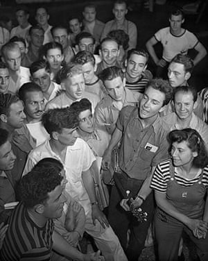 Pete Seeger: Seeger sings at American Youth Council Rally  in 1940