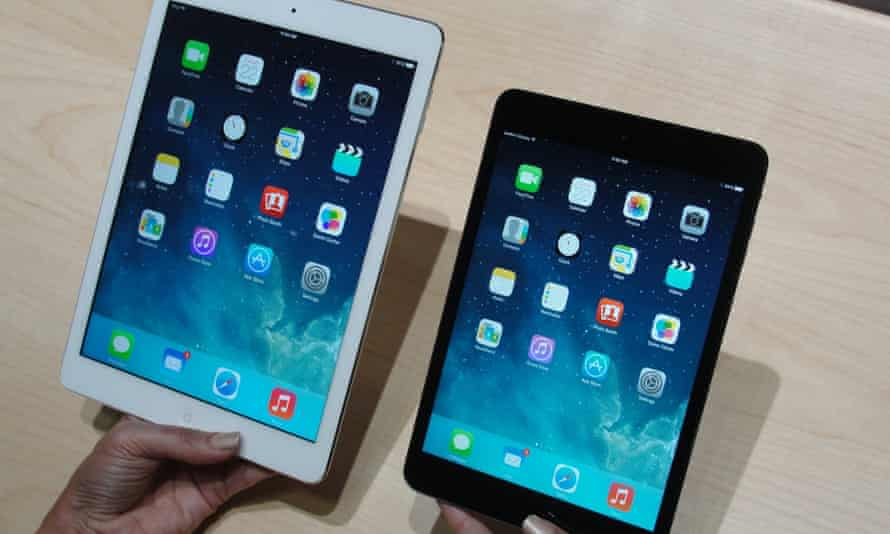 Apple's iPad Air (left) and iPad Mini tablets helped it regain share in the tablet market in the fourth quarter of 2013.