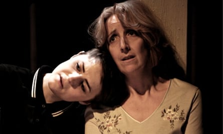 Katie West as Cathy Heyer and Julie Hesmondhalgh as Susan Heyer in Blindsided by Simon Stephens at t