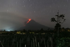 Mount Sinabung: Hot lava runs down Mount Sinabung from a lava dome