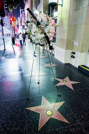 Phil Everly: Flowers placed on the Everly Brothers's Hollywood Walk of Fame star