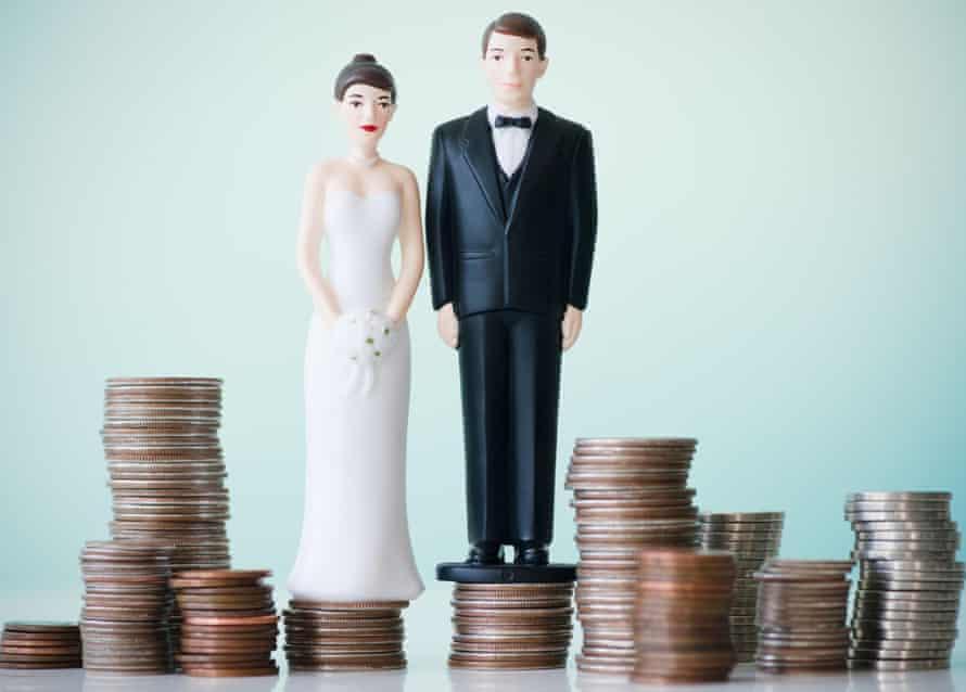 wedding cake money stack
