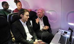 Richard Branson and Pete Cashmore on a Virgin plane