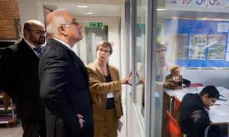 Chief inspector Michael Wilshaw visits a Birmingham school