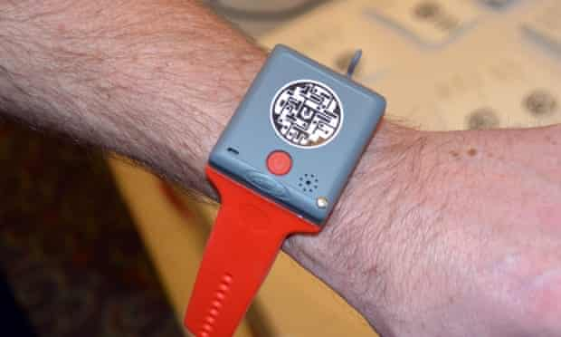 KMS Wristband child tracking phone