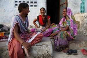 Uganta Umarwal with her daughters