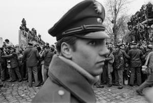 Berlin Wall fall 1