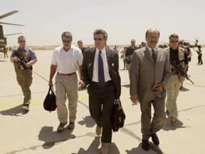 Paul Bremer and Iraqi deputy prime minister Barham Saleh in 2004.