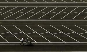 17.00 - Antonio Hernandez Santana - Symmetry