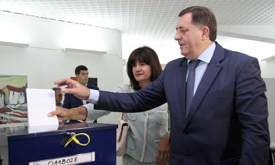Bosnian Serb leader Milorad Dodik casting his ballot in Banja Luka