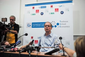 French economist Jean Tirole speaks during a news conference at the Toulouse School of Economics in Toulouse October 13, 2014.