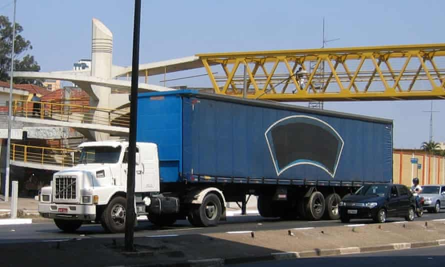 A lorry with no logo in São Paulo, Brazil.