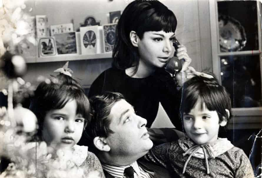Six-year-old Nigella, left, at home with her father Nigel, mother Vanessa and sister Thomasina in 1965.