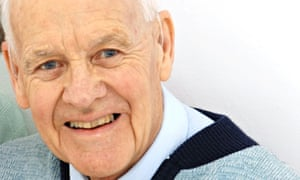 Martyn Grubb, worker priest, who has died aged 87