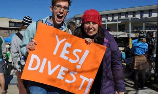 Students support ANU's move to divest from some fossil fuel companies