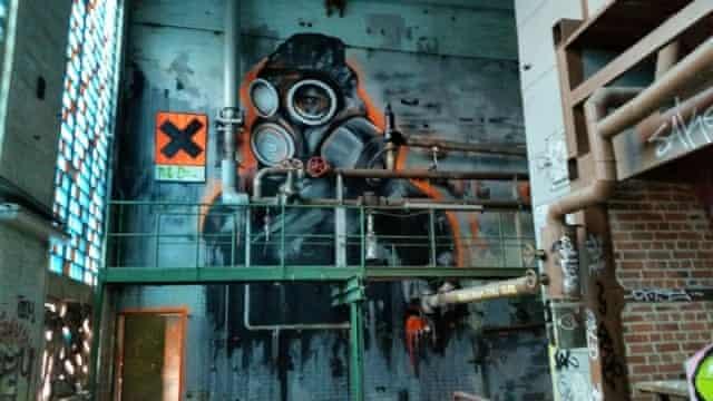 Mural by the artist Plotbot Ken, Berlin