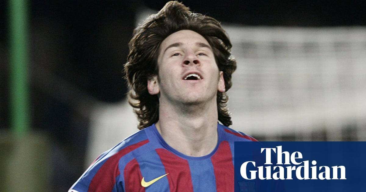 Lionel Messi How Argentinian Teenager Signed For Barcelona On A Serviette Sid Lowe Football The Guardian