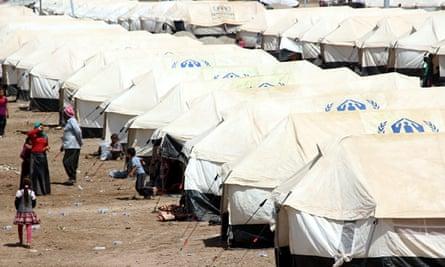 Iraq refugees on Turkish border