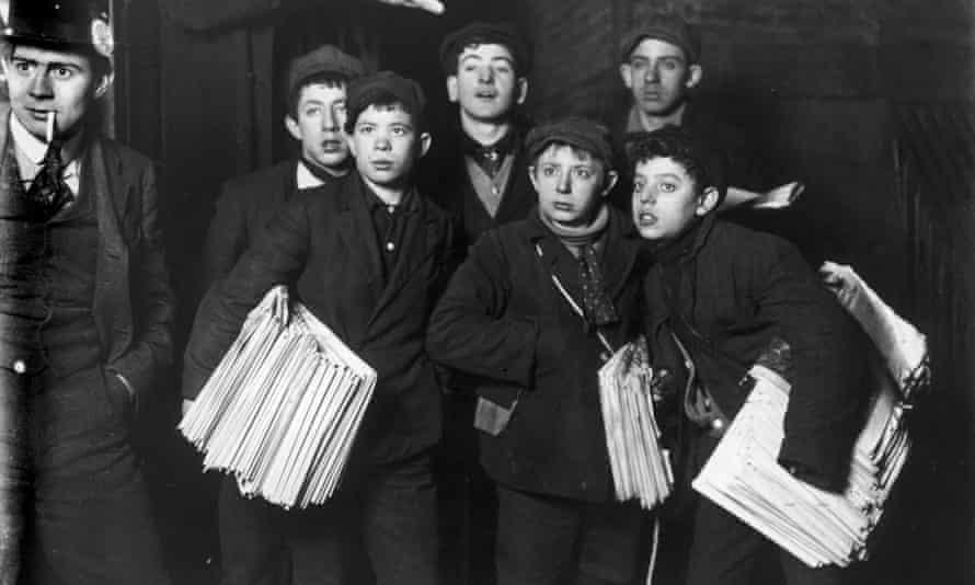 Newsboys at New York's Brooklyn Bridge in 1906.