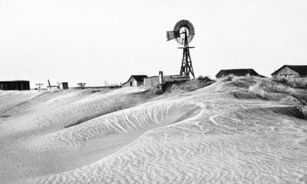 A 1937 photograph of an abandoned Oklahoma farm