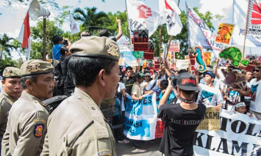 ForBali protestors march on the Governor of Bali's residence in the capital, Denpasar.