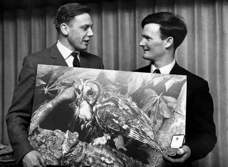 David Attenborough presents a medal to the 1966 winner Mr CVR Dowdeswell.