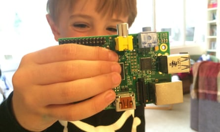 The Kano kit shows children the insides of a computer.