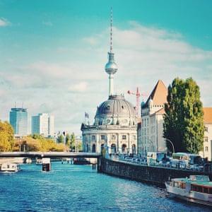 Instagram Berlin: Bridge view from Geschwister-Scholl-Strasse