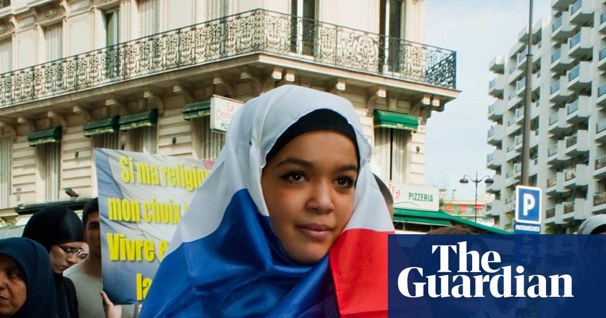 Headscarf Ban Turns Frances Muslim Women Towards Homeworking World News The Guardian