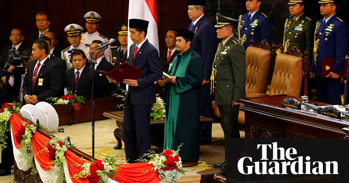 Indonesias jokowi sworn in as president as economic problems indonesias jokowi sworn in as president as economic problems mount world news the guardian reheart Choice Image