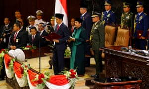 Indonesias jokowi sworn in as president as economic problems mount jokowi inaugurated as indonesian president reheart Choice Image