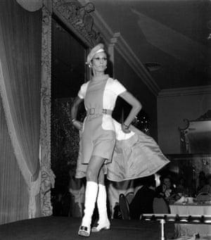 Oscar De La Renta presents a red and white knee-length midi-dress