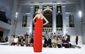 A Model walks the runway at the Oscar De La Renta Fashion Show at Mercedes-Benz Fashion Week in New York City, USA, 10 September, 2007
