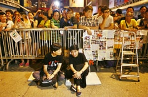 Hong Kong Civic Party leader Audrey Eu Yeut-mee and Claudia Mo (member of Legislative Council) stay in Mong Kok overnight and sit in front of the barricades