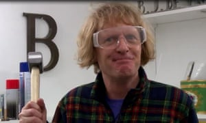 Grayson Perry prepares to take a hammer to the Huhne vase