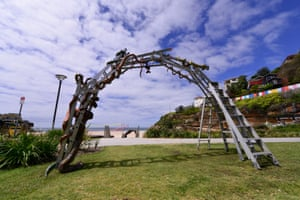 Hannah Kidd's Snakes & Ladders, Sculpture by the Sea, 2015