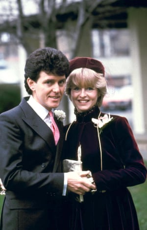 Alvin Stardust on his wedding day, with second wife Liza Goddard, 1981
