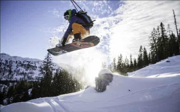 Elooa runs snowboarding camps throughout the Alps